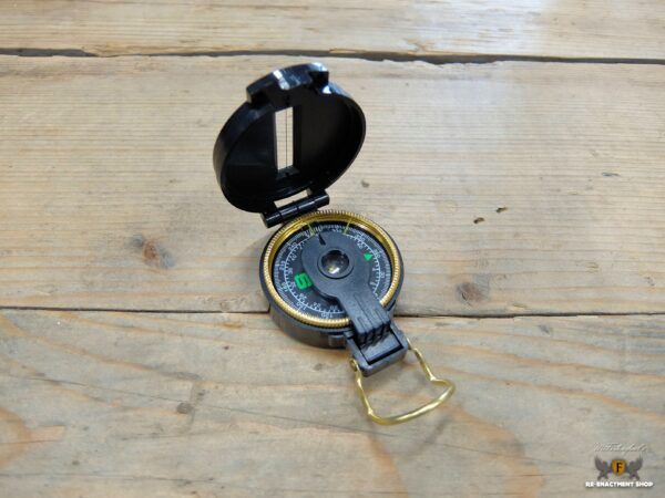 Trooper style compass
