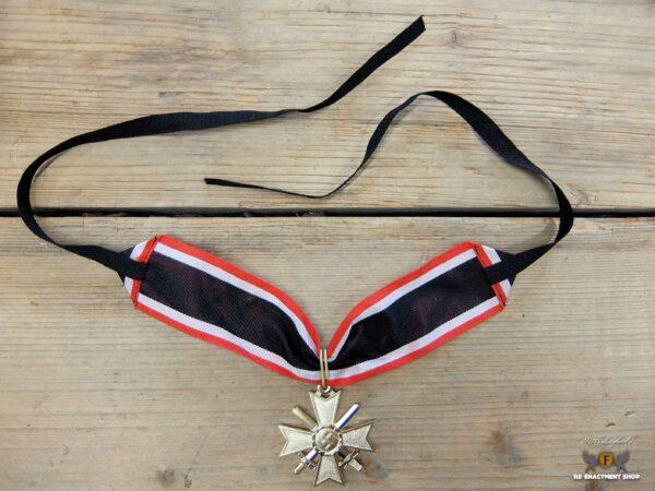 Goldenes Ritterkreuz des Kriegsverdienstkreuzes mit Schwertern